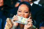 Rihanna Stalker Investigated By LAPD Following Death Threats