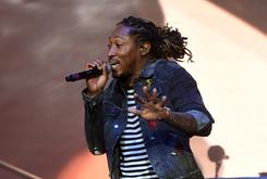 "Fan Sneaks On Stage With Future During ""Nobody Safe"" Tour Show"
