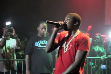 "Meek Mill ""Performs ""Lil Nigga Snupe"" Live @ Starfest"" Video"