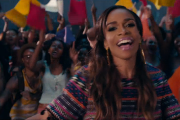 "Michelle Williams Feat. Kelly Rowland & Beyonce ""Say Yes"" Video"