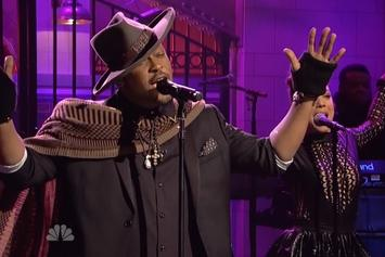 """D'Angelo Takes """"Really Love"""" & """"The Charade"""" To Saturday Night Live"""