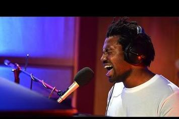 """Sampha Performs """"Too Much"""" At BBC Radio 1 Future Festival"""