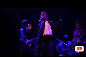 """Lauryn Hill Performs """"Lost One"""" Live In NYC"""