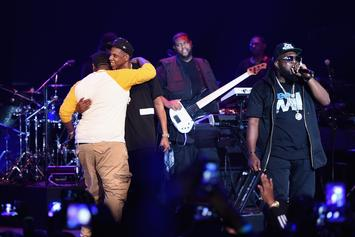 "Jay Z Brings Out Beanie Sigel, Memphis Bleek, Jeezy & Jay Electronica During ""B-Sides"" Concert In NYC"