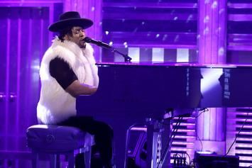 "D'Angelo Honors Prince With A Cover Of ""Sometimes It Snows In April"" On Jimmy Fallon"