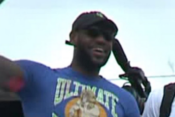 "LeBron James Hops Off The Plane In Cleveland Wearing An ""Ultimate Warrior"" Shirt"