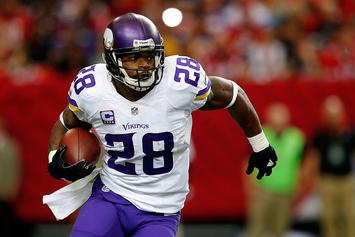 Adrian Peterson Would Reportedly Take A Pay Cut To Play For Patriots