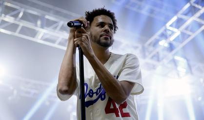 "J Cole's ""4 Your Eyez Only"" Goes Platinum"