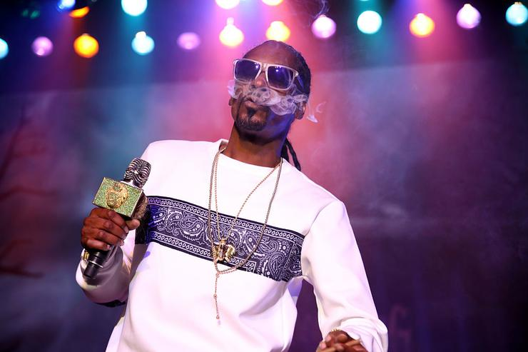 Snoop Dogg performs onstage Hilarity for Charity's 5th Annual Los Angeles Variety Show: Seth Rogen's Halloween at Hollywood Palladium on October 15, 2016 in Los Angeles, California.