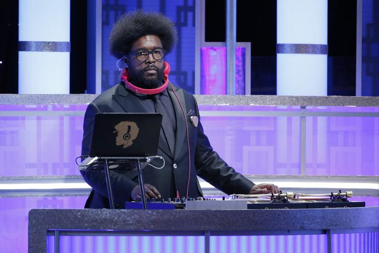 Questlove performing at 74th annual Golden Globe Awards show.
