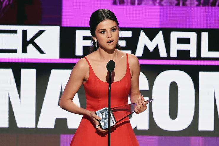 Selena Gomez at the 2016 American Music Awards.