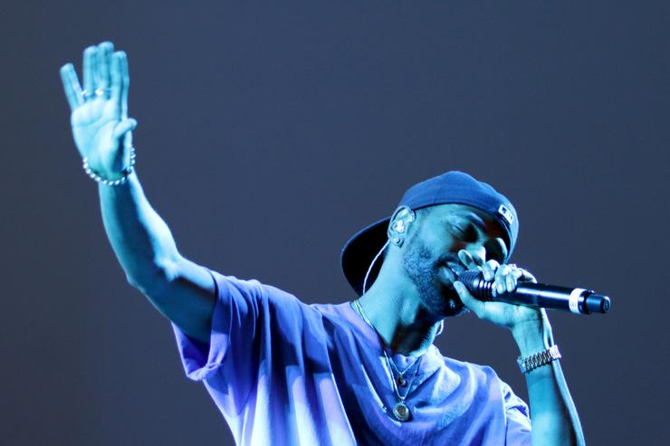Big Sean performing at Rolling Stone Live Houston.