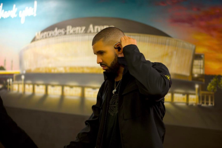 Drake poses for a photo.